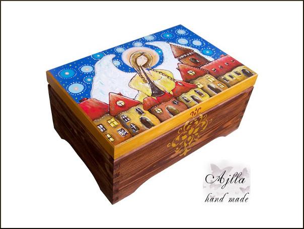 kufer z aniołem na urodziny
