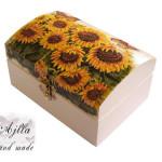 kuferek w słoneczniki